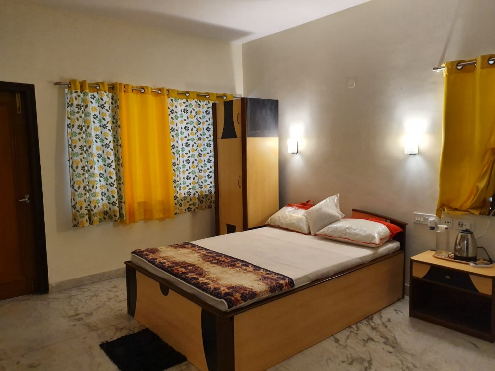 Premium Residential Apartment Available at Ballygunge
