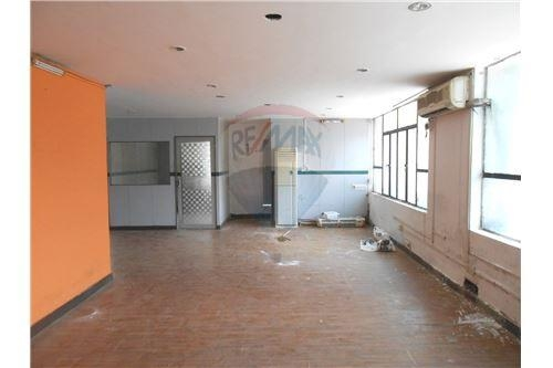 Commercial office space for rent @Kyd Street