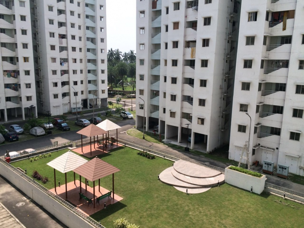Semi furnished flat for sale @ Godrej Prakriti, Sodepur