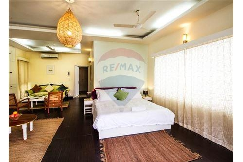 Ready ro move in apartment, Located in heart of south delhi