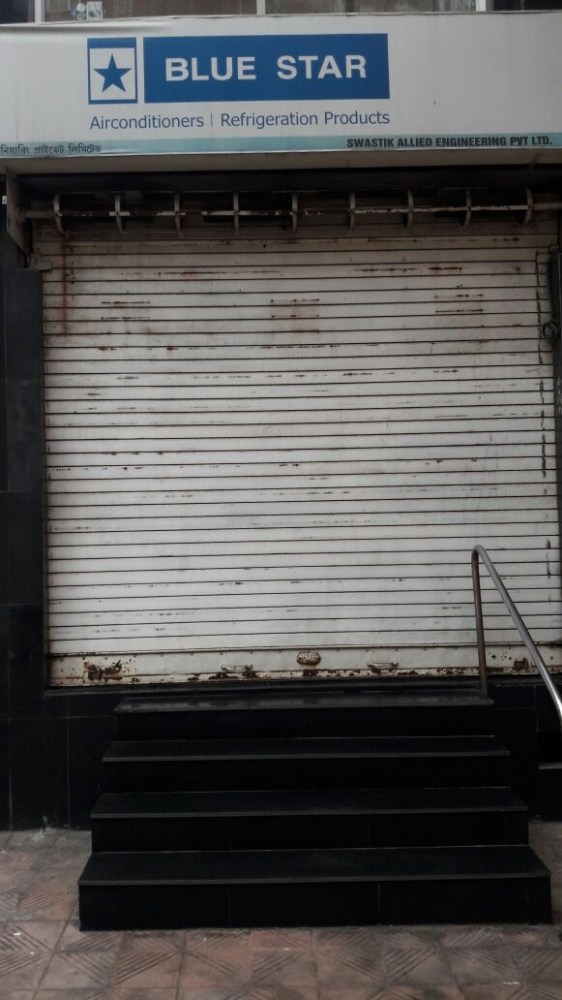 Commercial shop for rent @ chadni Chawk metro